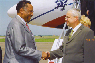 Mayor Lee P. Brown greets the President of the Czech Republic at airport